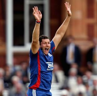 Tim Bresnan claimed four wickets as England dismissed India for the first time this series
