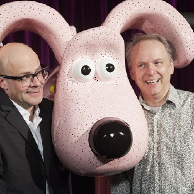 Harry Hill has unveiled his sculpture of Gromit