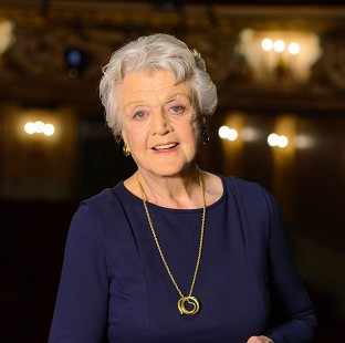 Angela Lansbury will play the role of Madam Arcati in a new production of Blithe Spirit