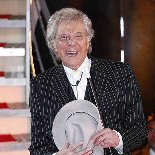 Lionel Blair wants to patch things up with Sir Bruce Forsyth