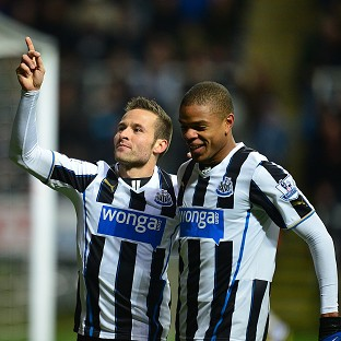 Yohan Cabaye, left, is wanted by Paris St-Germain
