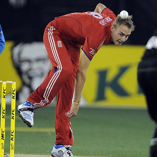 Stuart Broad's England slumped to defeat in the second T20 in Melbourne (AP)