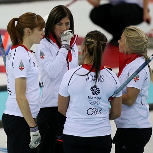 Eve Muirhead's rink bounced back with a 12-3 win over the USA