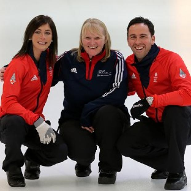 Burnley and Pendle Citizen: Eve Muirhead, left, and David Murdoch, right, with 2002 gold medalist Rhona Howie