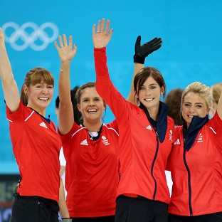 Great Britain's women curlers edged out Switzerland to claim bronze