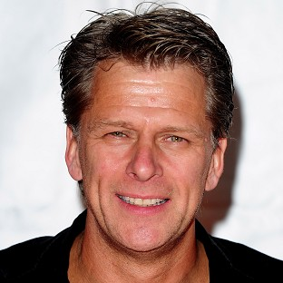 Andrew Castle is to host a breakfast show slot on Smooth Radio