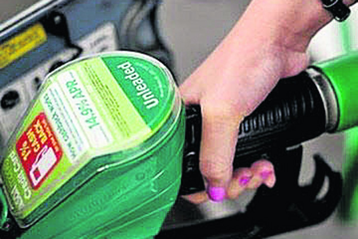 Lancashire police in new campaign to prevent 'drive-off' petrol scam