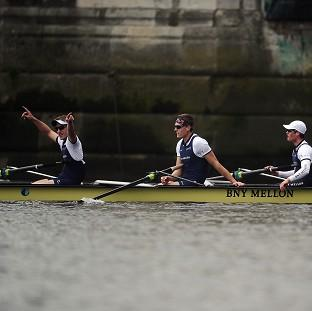 Burnley and Pendle Citizen: Oxford's crew celebrate winning the BNY Mellon Boat Race against Cambridge