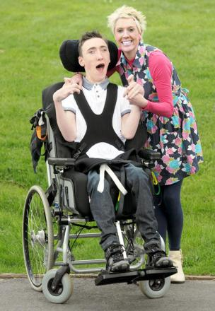 Jamie Jordan and his mum Anita prepare for the fundraising 'golfathon'
