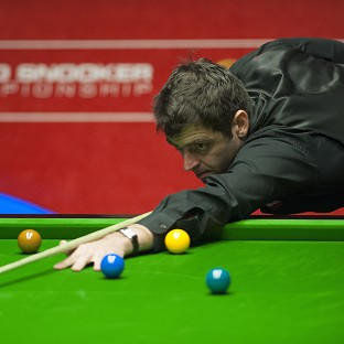 Ronnie O'Sullivan completed an easy victory on Wednesday