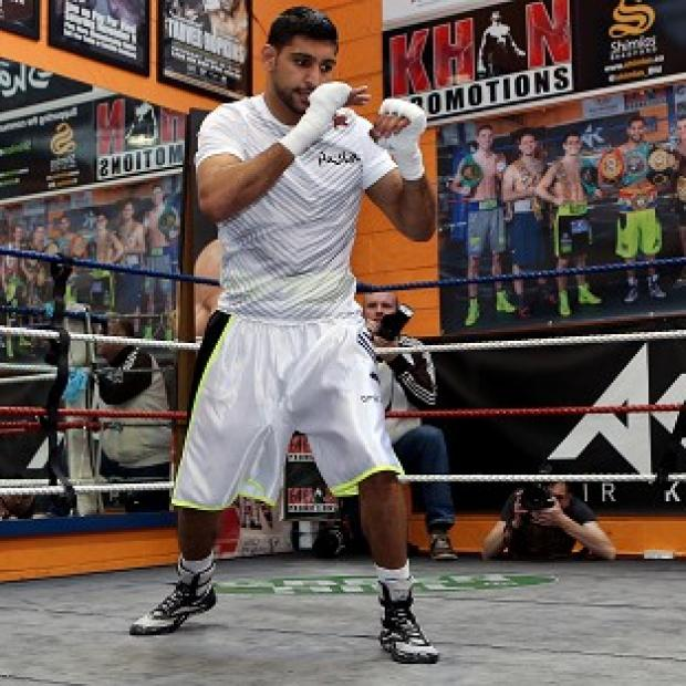 Burnley and Pendle Citizen: Amir Khan is preparing for his welterweight debut against Luis Collazo in Las Vegas