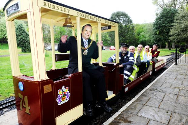 Burnley and Pendle Citizen: The Mayor of Burnley Frank Cant with passengers Stephen Thompson, Roy Schofield, Paul Lambert, George Lambert and Mike Bailey