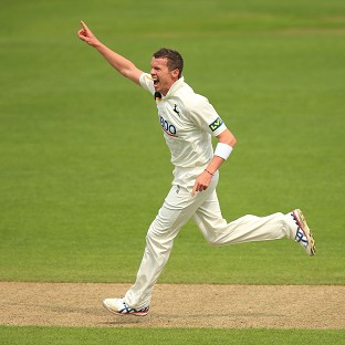 Peter Siddle's four wickets helped Nottinghamshire to victory