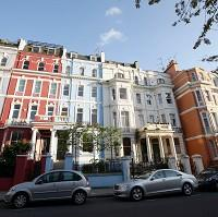 Burnley and Pendle Citizen: Houses in Notting Hill, London, which has prospered despite the downturn