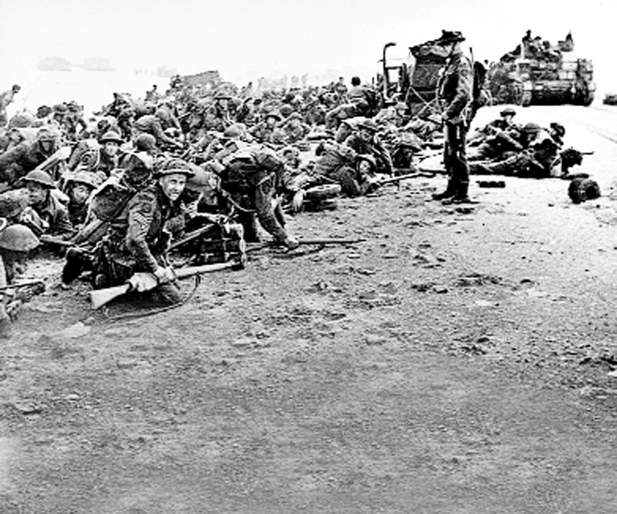 Soldiers on the beaches in Normandy