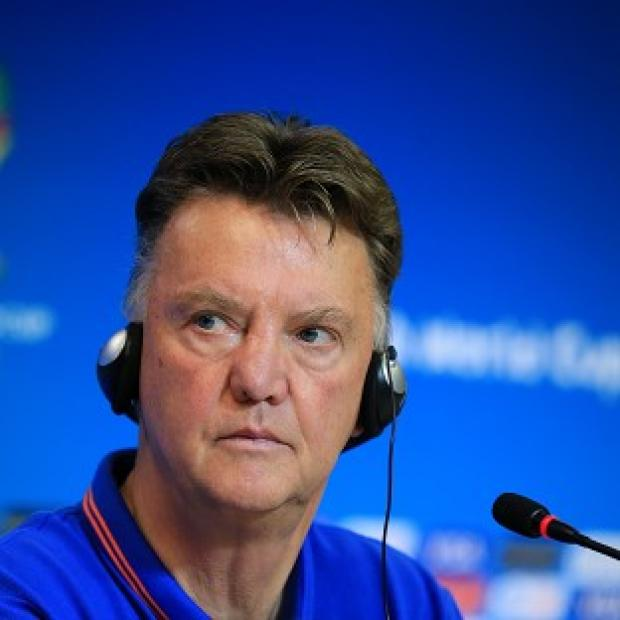 Burnley and Pendle Citizen: Louis van Gaal is counting on team spirit to see Holland through