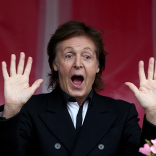 McCartney back on stage after virus