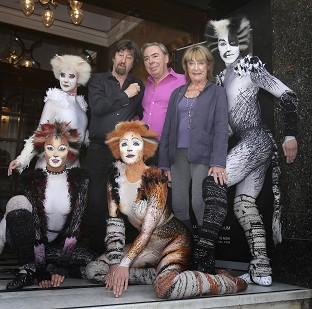 Burnley and Pendle Citizen: Trevor Nunn, Andrew Lloyd Webber and Gillian Lynne with performers from the musical Cats outside the London Palladium