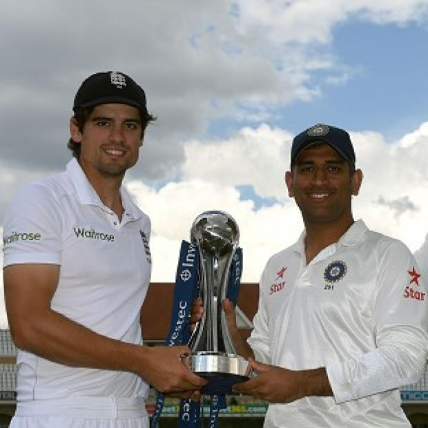 Burnley and Pendle Citizen: England captain Alastair Cook, left, and India captain MS Dhoni, right, will meet at Trent Bridge on Wednesday