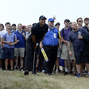 Tiger Woods made a poor start to his second round at Hoylake