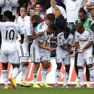 Nathan Dyer, second left, hit the only goal for Swansea